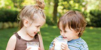 Bé uống sữa giúp tăng cân tốt và phát triển toàn diện