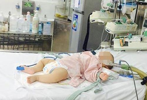 Bé trai ngộ độc chì do dùng thuốc cam vẫn hôn mê sau 3 ngày điều trị