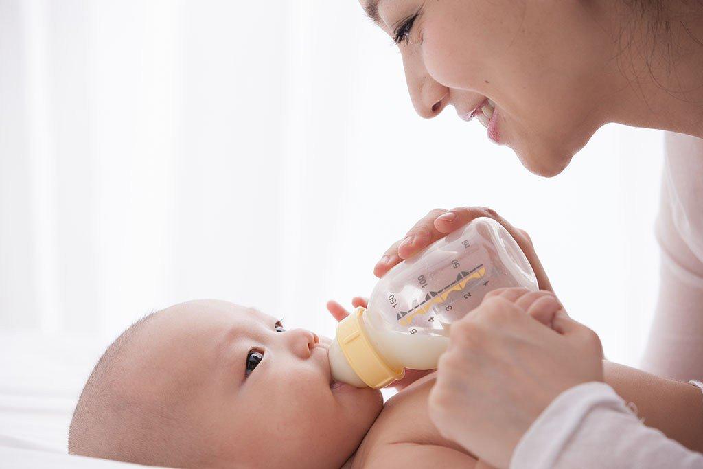 Sữa tăng cường hệ miễn dịch cho bé
