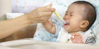 trẻ sơ sinh biếng ăn phải làm sao
