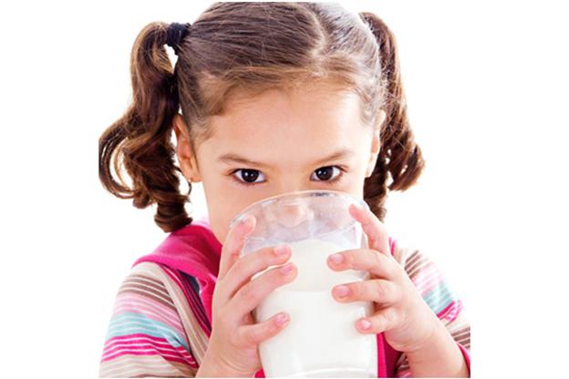 Sữa Nutren Junior Nga giúp bé ăn ngon miệng, uống sữa tốt