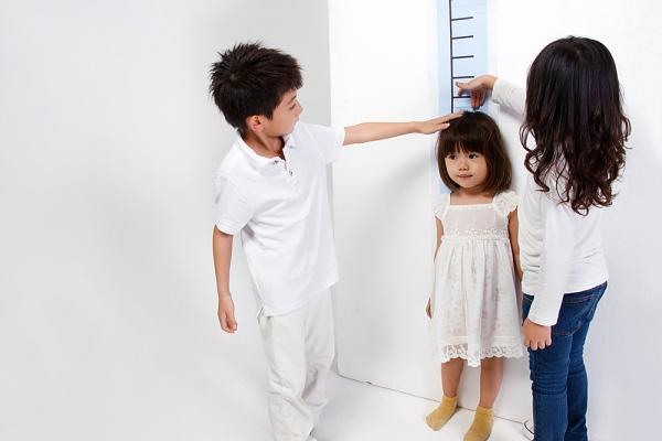 Trẻ biếng ăn có thể bị suy dinh dưỡng, kém phát triển chiều cao và trí não