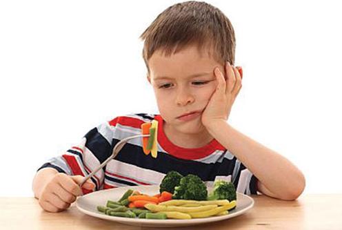 Trẻ biếng ăn suy dinh dưỡng_Nỗi lo của nhiều bà mẹ