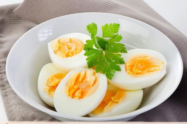 bà bầu ăn trứng gà tốt cho thai nhi