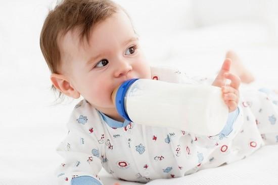 Bé uống sữa baby semper tăng cân rất tốt