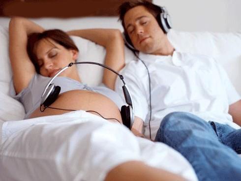 Chăm sóc giấc ngủ của bà bầu trong thai kỳ