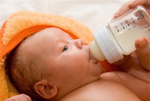 Sữa Baby Semper có tính chất gần giống sữa mẹ