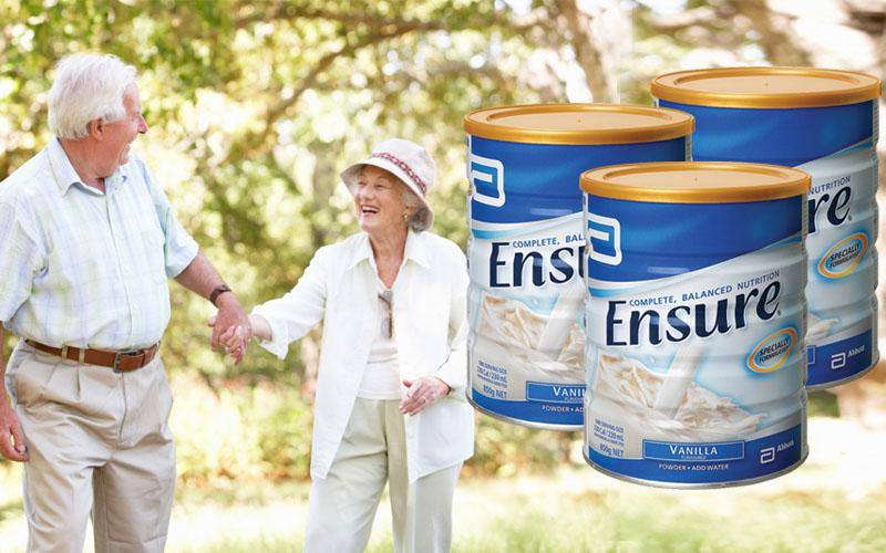 Sữa Ensure tăng cường sức khỏe cho người cao tuổi