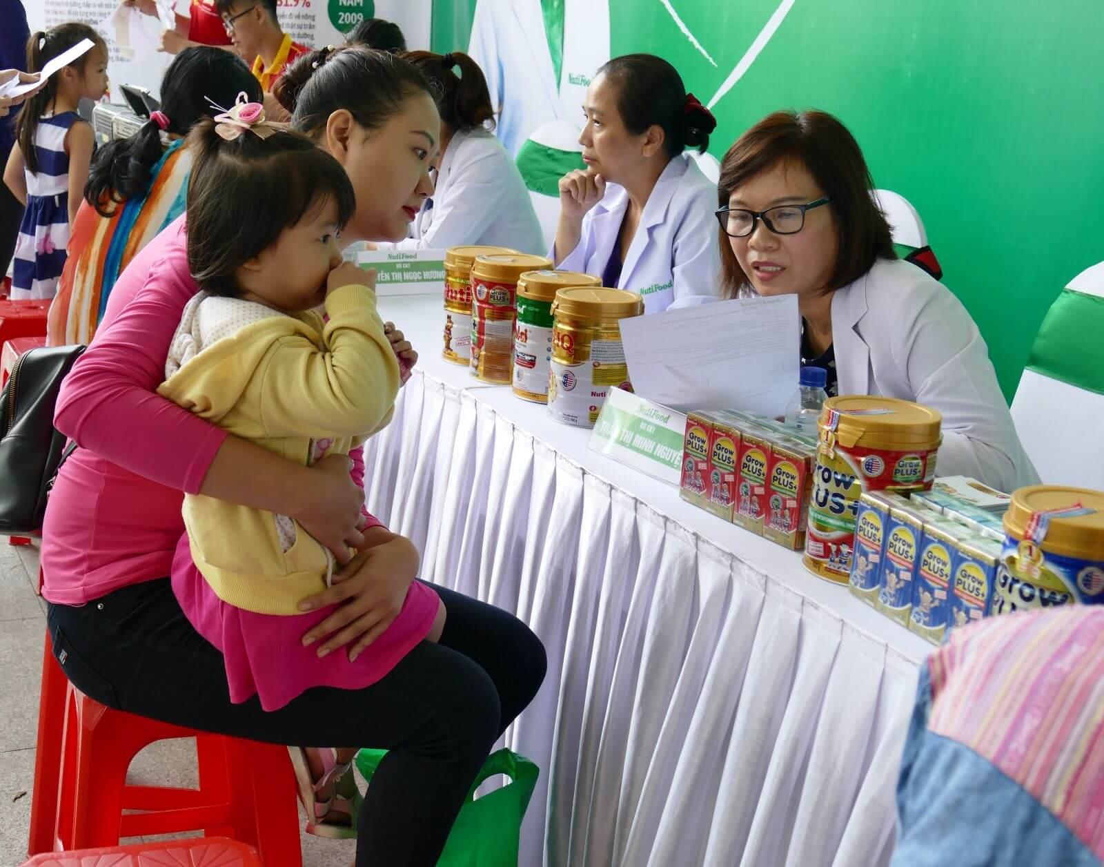 Hãng Nutifood số 1 về dinh dưỡng chăm sóc trẻ biếng ăn chậm tăng cân